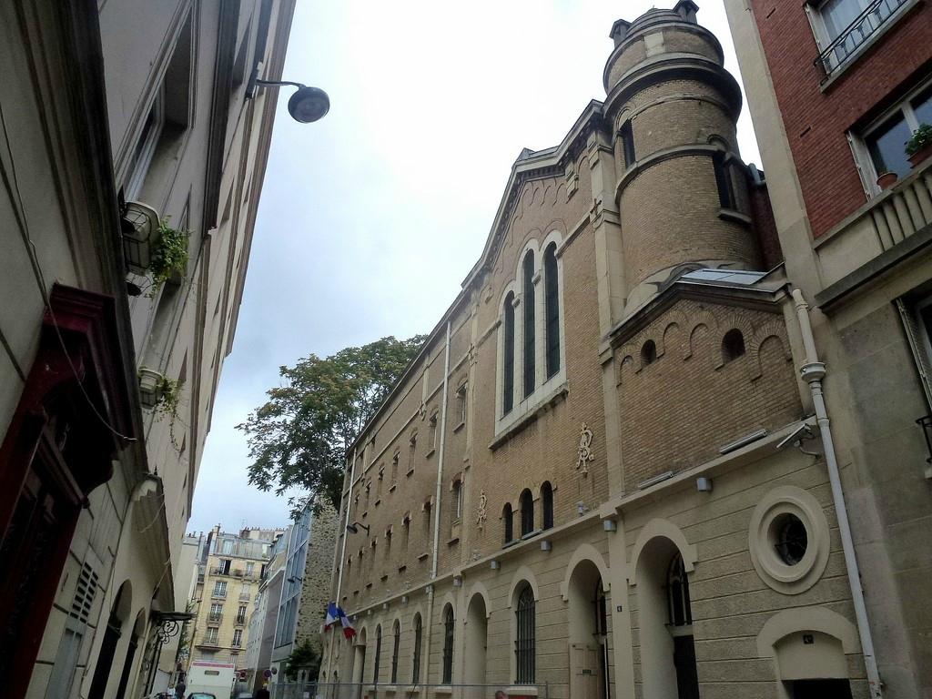Храм Великой Ложи Франции в Париже на рю Пюто 8