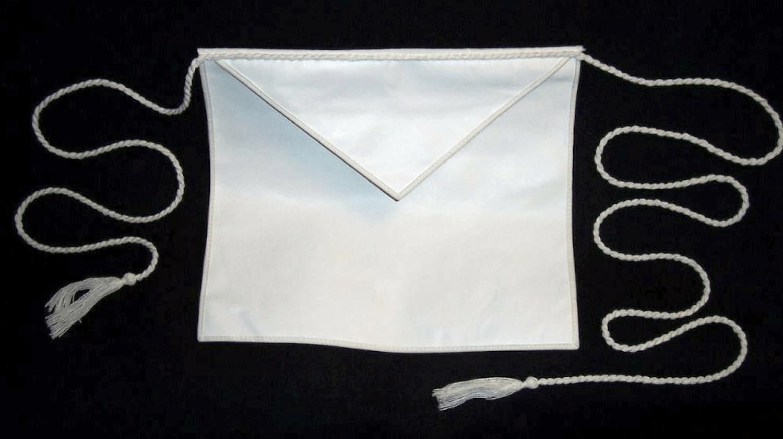 белый масонский запон ученика